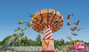 le-pal-ok-corral-chaises-volantes-1
