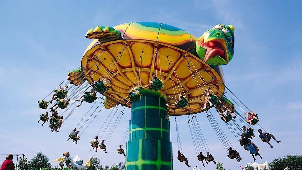 le-pal-ok-corral-chaises-volantes-2