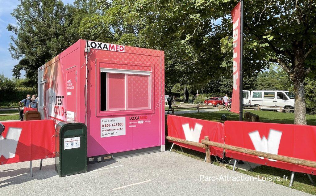 Centre de test Covid mobile entree parc attraction Walibi loxamed